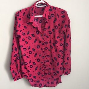 hot pink blouse with kiss lips , size XS